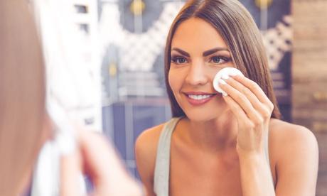 Limpieza facial de cutis profundamás diseño de cejas y opción a masaje relax desde 12,99 € en Arjona Estilistas