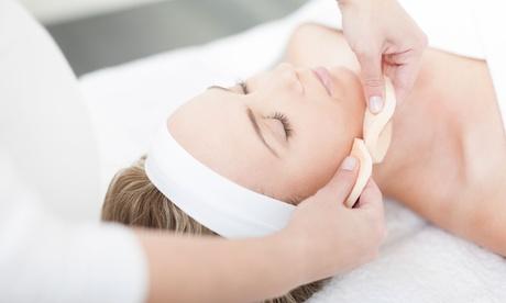 1 o 2 sesiones de tratamiento facial '4 Diamantes'' básico o premium desde 19,95 € en Venus Clinic
