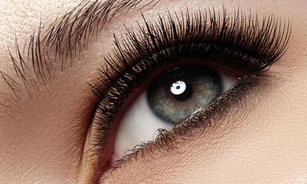 Extensión de pestañas con opción a diseño y tinte de cejas en MG Beauty Tenerife (hasta 77% de descuento)