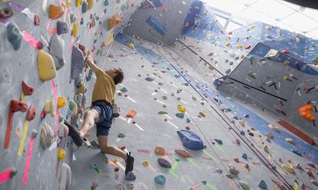 Bautizo de escalada para 2 o 4 personas desde 19,95 € en Rock'n Bloc