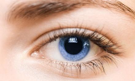 Behandlung zur Augenlid- oder Mundbereich-Straffung bei Kosmetik & Fußpflege (50% sparen*)