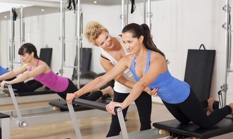 4 o 6 clases de pilates en máquina desde 39 € en Centro Elena Aguilar - Maíra Machado Oferta en Groupon