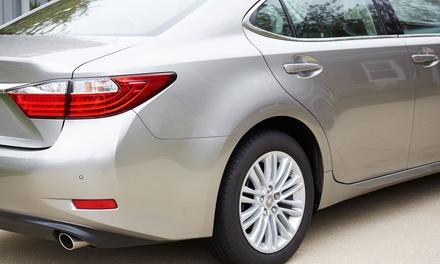 Lavado del coche con opción a limpieza de tapicería y/o acabado en cera en Limpísimo (hasta un 58% de descuento)