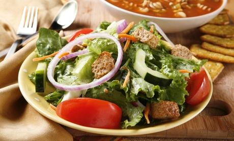 Menú para dos personas con ensalada, sopa y refresco por 9,95 € en Soupbowls