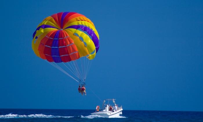 Aquatime Esquí Acuático - Puerto Deportivo de Marbella: Paseo en parasailing para 2 personas por 52,95 € con Aquatime Esquí Acuático
