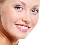 Aeterna Medycyna Estetyczna: Wypełnienie zmarszczek kwasem hialuronowym (od 299,99 zł) lub powiększenie i modelowanie ust (469,99 zł) w Aeterna