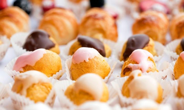 La cave - Boulangerie Chris'Alain : 1 ou 2 boîtes de 20 mini-éclairs dès 10,99 €