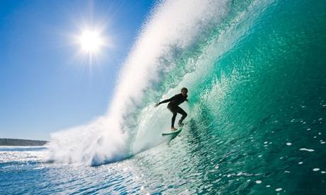 Clases de iniciación al surf para 2 o 4 personas desde 24,90 € en Godzilla Surf Shop