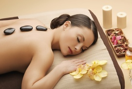 Sensus: Een hotstone massage van 60 minuten bij Sensus