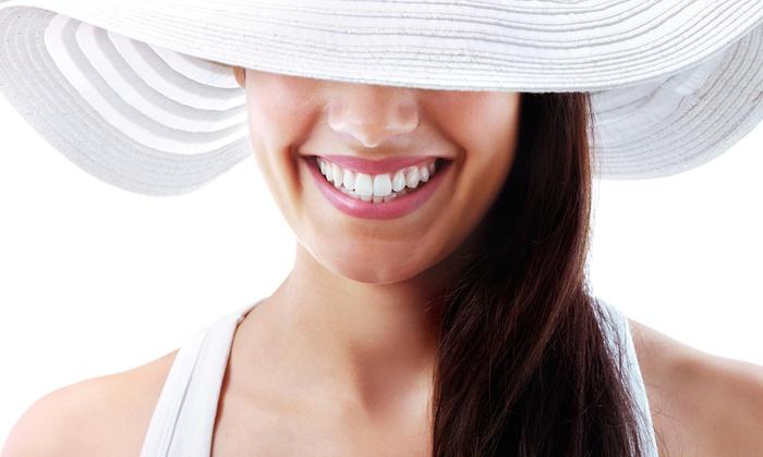Evotec - Senago: Visita con pulizia denti, smacchiamento air flow, sbiancamento led allo studio Evotec (sconto fino a 88%)