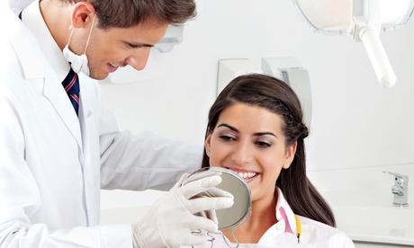 Limpieza y curetaje de 2 o 4 cuadrantes en 1 o 2 arcadas desde 34,90 € en 2 centros Max Dental