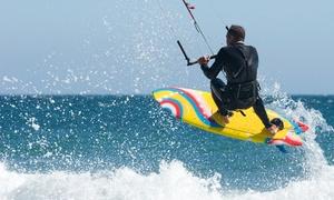 SCUOLA DI KITE A SAN TEODORO: 3 lezioni di kitesurf per una o 2 persone alla Scuola di Kite San Teodoro (sconto fino a 86%)