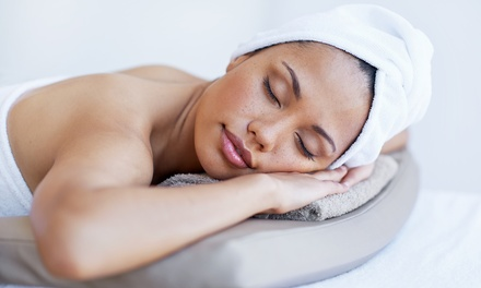 30, 60 or 90Minute Pamper Package at Lux Studio, Roman road, London brunch