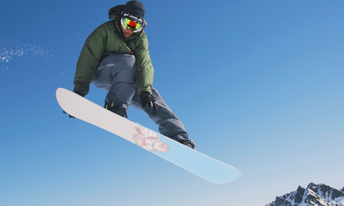 7Twenty Boardshop - Baker: $26 for Snowboard Tune-Up at 7Twenty Boardshop ($50 Value)