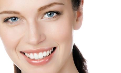 Limpieza bucal con ultrasonidos y revisión por 9,95 € y con 1 o 2 sesiones de blanqueamiento dental led desde 59,95 €