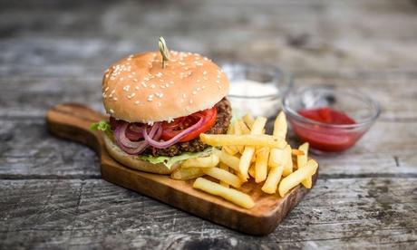 Burger mit Pommes frites oder Kartoffelecken für 1 oder 2 Personen bei Pizza Lord Neuss  in Essen