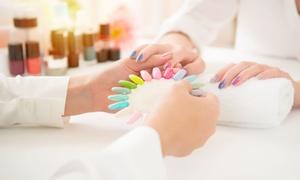 Shadow: 3 o 5 manicure o pedicure con smalto semipermanente al salone Shadow di Saronno (sconto fino a 80%)