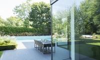 Terrassenplatten- oder Pflastersteinreinigung mit Flechtenlangzeitschutz mit Exit Gebäudedienste (65% sparen*)