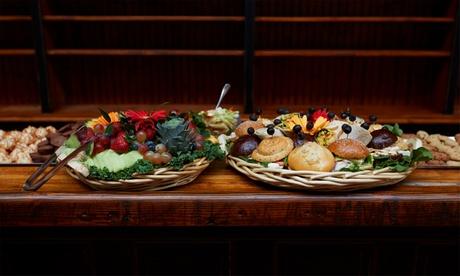 Catering para 12 o 24 personas con 144 o 288 piezas a elegir desde 49,95 € en Catering Madrid