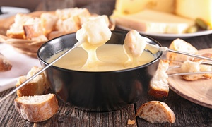 Bistro Der Alpen: Tweegangenmenu met kaas- of vleesfondue vanaf € 34,99 bij Bistro der Alpen!