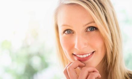 Sesión de higiene dental con opción a 1 o 2 sesiones de blanqueamiento led desde 9,95 € en Clínica Dental Soler