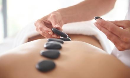60 Min. oder 90 Min. Ganzkörper-Hot-Stone-Massage bei Wellnessmassagen Schmidt (bis zu 50% sparen*)