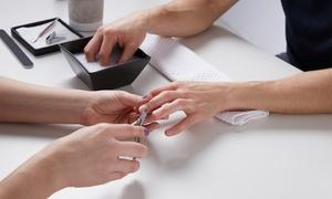 Vi-Beauty: Aanbrengen van semi-permanente nagellak met optionele retouche vanaf € 11,99 bij instituut Vi-Beauty