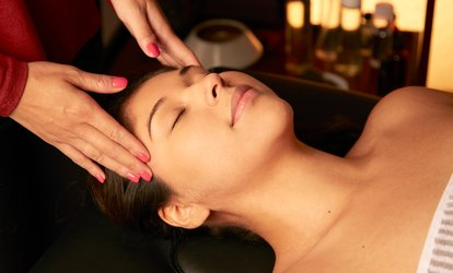 image for Microdermabrasion or Deep-Cleansing Facial with <strong>Face</strong> and Shoulder Massage at LiWei Beauty (Up to 64% Off)