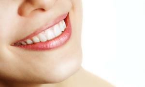 Brackets metálicos o estéticos de zafiro con limpieza bucal y 6 revisiones mensuales desde 199 € en la Clínica Ecodental