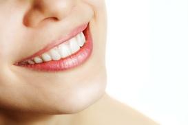 Clínica Dental Ecodental: Brackets metálicos o estéticos de zafiro con limpieza bucal y 6 revisiones mensuales desde 199 € en la Clínica Ecodental