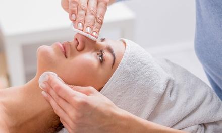 Higiene facial con limpieza de cutis o peeling o tratamiento facial completo y masaje facial para