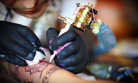 Paga 19,95 € por un descuento de 110 € para tatuaje en color o en negro en 2 Palos Tattoo Oferta en Groupon