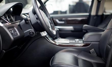 Pulizia e sanificazione degli interni dell' auto con lavaggio esterno della vettura all'officina Cristalli Segrate