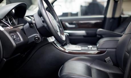Limpieza de moto o lavado de coche interior y exterior y opción a pulido y tapicería desde 6,95€ en Wash And Wash Oferta en Groupon