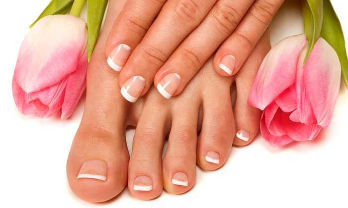 Oasi Della Bellezza - Bologna: 3 sedute di manicure e pedicure o in più trattamenti alla paraffina (sconto fino a 82%)