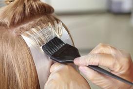 Paquita Pla : Peluquería con tto. a elegir, corte, lavado, masaje, peinado y opción a tinte y/o mechas desde 14,95 € en Paquita Pla