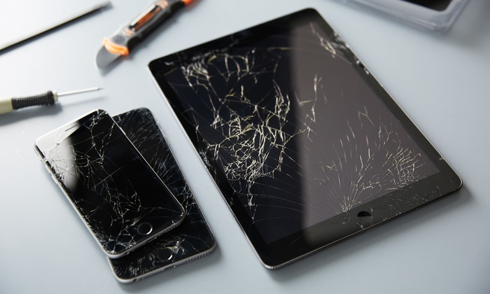 U Smash - Wireless on 72nd: Glass Screen Repairs at U Smash (Up to 58% Off). Seven Options Available.