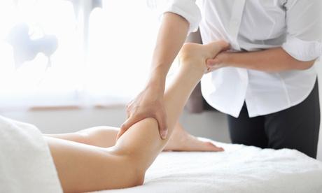 1, 2 o 3 sesiones de reflexología podal con drenaje y tratamiento foot scrub desde 14,95 € en Margarita Ortuño