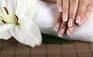 Beauty and the city: 3 o 5 manicure e pedicure con smalto semipermanente Shellac (sconto fino a 91%)