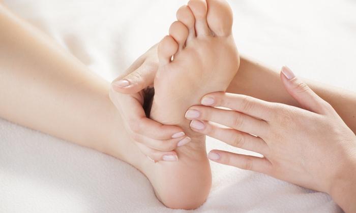 Fuwa Reflexology Massage - Tucson: $25 for Reflexology Session with Detox Footbath at Fuwa Reflexology Massage ($50 Value)