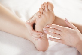 Fuwa Reflexology Massage: $25 for Reflexology Session with Detox Footbath at Fuwa Reflexology Massage ($50 Value)