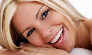 Clínica S&O: Limpieza dental con ultrasonidos y revisión por 12 €