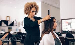 Hair Contrast: Silver, Gold, Platinum kappersbeurt voor vrouwen of kappersbeurt voor mannen bij Hair Contrast in Mechelen