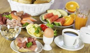 Cafe Creativ Cuisine: Schlemmerfrühstück für Zwei mit Kaffee und Orangensaft im Cafe Creativ Cuisine für 16 €