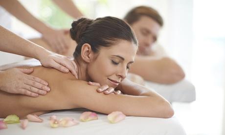 Una seduta con massaggio rilassante di coppia più 2 trattamenti reiki opzionali al Centro Nefer (sconto fino a 75%)