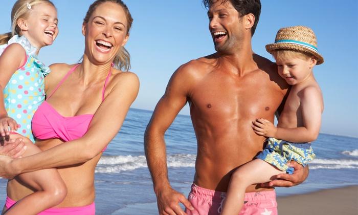 """Lido Mec - LIDO MEC"""" DI PAOLINO FRANCESCO & C. - S.A.S.: Ingresso spiaggia con lettini, ombrellone, bevande e parcheggio per 2 o 4 persone al Lido Mec (sconto fino a 68%)"""