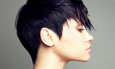 Sesión de peluquería con corte y peinado por 12,90 €, con tinte o mechas por 16,90 € y con todo por 24,90 €