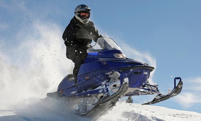 Mondomotors - Mondomotors: Escursione in motoslitta biposto per 2 o 4 persone a Montecampione con Mondomotors (sconto fino a 53%)