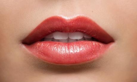 Aumento de labios o rinomodelación sin cirugía con 1 o 2 viales de Juvederm desde 169 € con el Doctor Enfry Salas