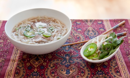 Pho (Reisbandnudelsuppe) und Salat nach Wahl für zwei oder vier Personen bei Sai Gon for You (bis zu 38% sparen*)